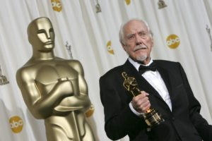 Director, Producer and Writer Robert Altman poses with the honorary Oscar he received from the Board of Governors of the Academy of Motion Picture Arts and Sciences during the 78th Academy Awards at the Kodak Theater in Hollywood, California, Sunday, March 5, 2006.