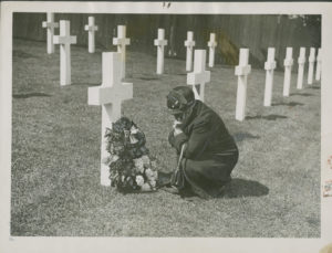 Rosa Heidler Lorenz at the Grave of Her Son Joseph Lorenz, Suresnes, France. May 18, 1930. Graphics Division. William L. Clements Library.