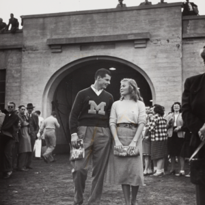 A couple strolls during Homecoming Weekend at U-M in 1947. Photo by Ralph Morse.